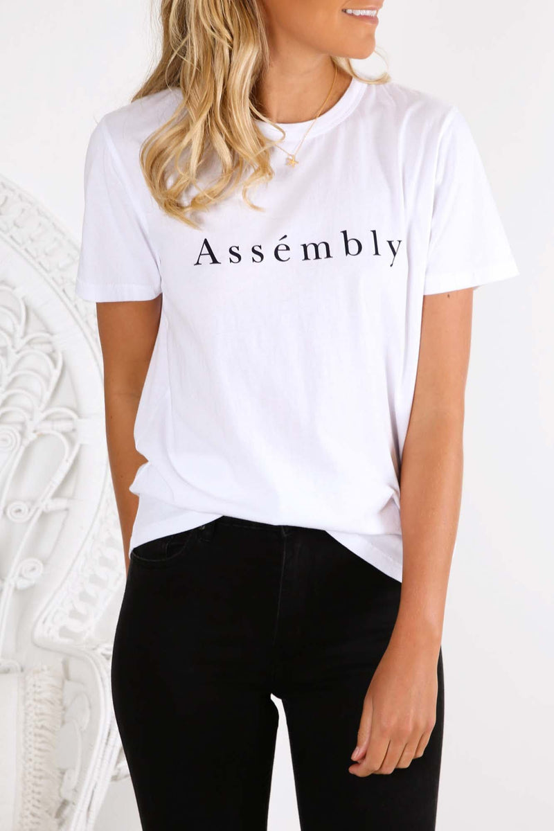 Accent Tee White True Navy Assembly Label - Jean Jail