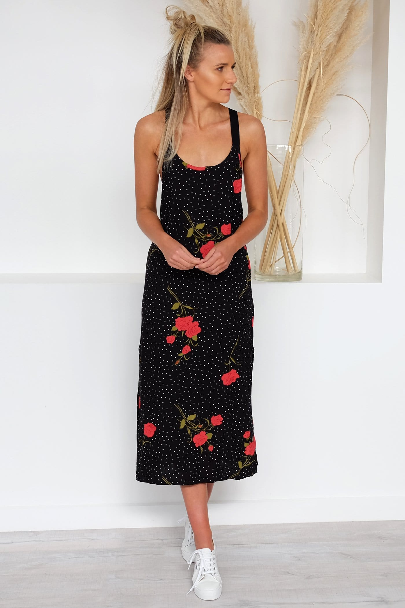 End Of The Rose Dress Black