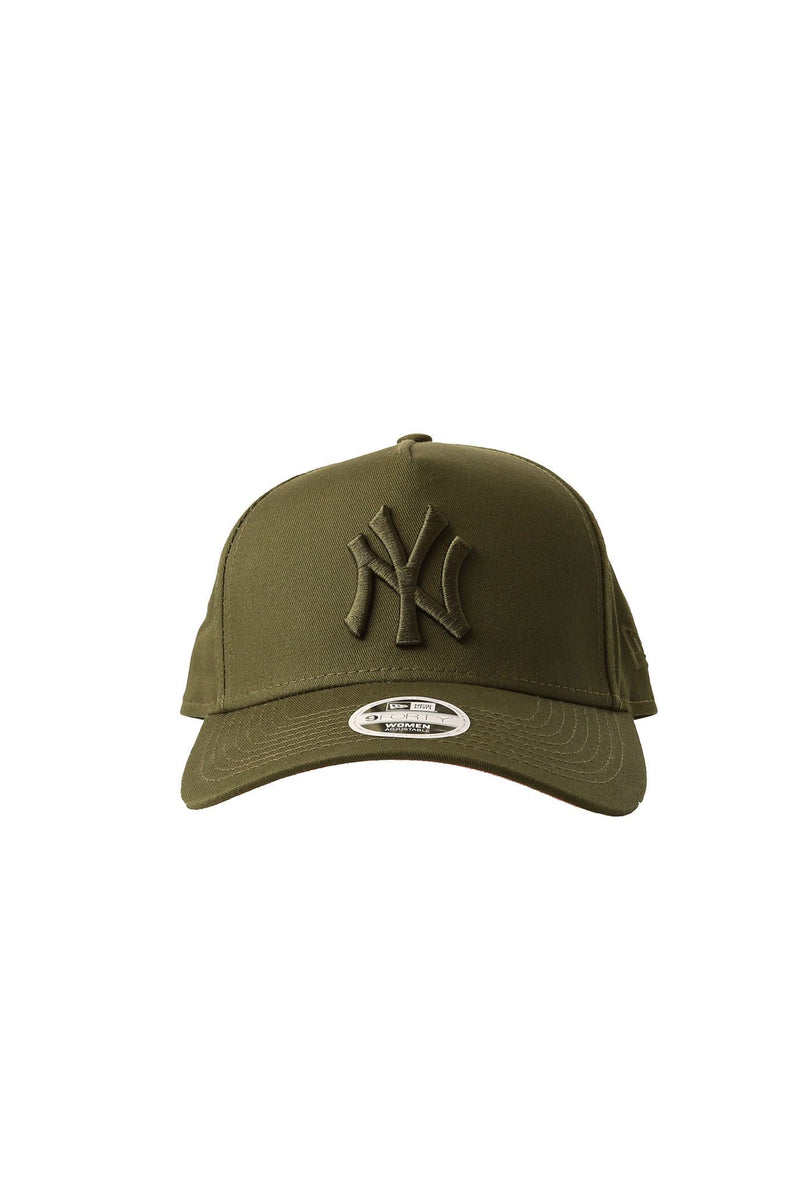 a760f4ba755be New York Yankees 9FORTY Strapback Rifle Green Pink - Jean Jail