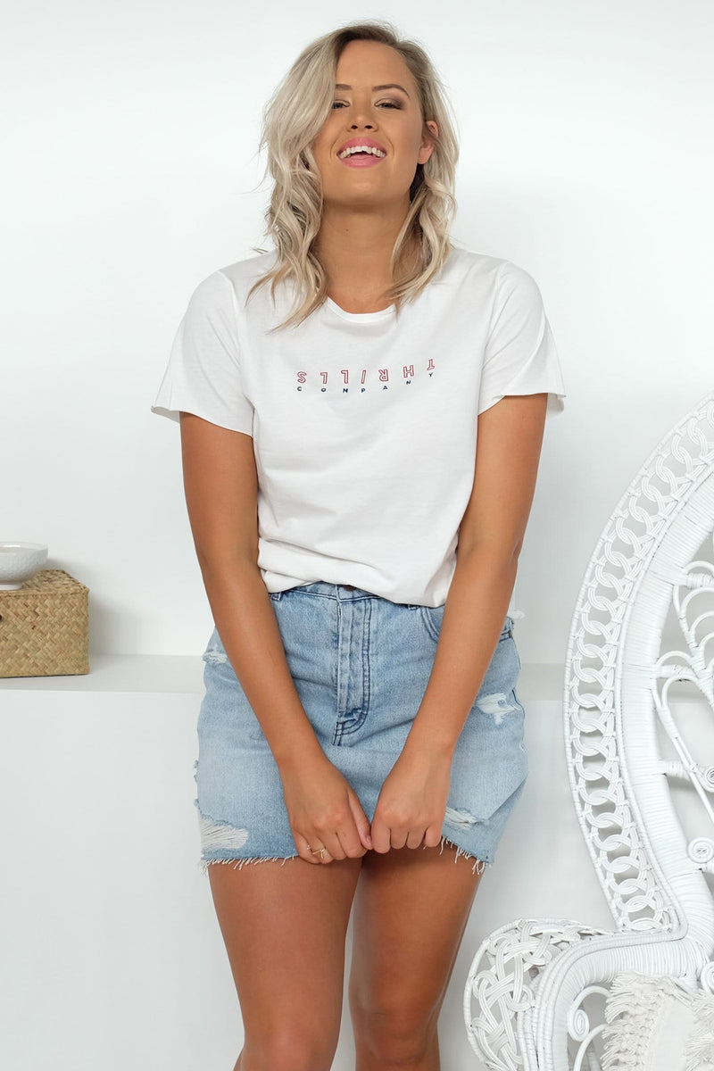 Outline Classic Loose Fit Tee Dirty White Thrills - Jean Jail