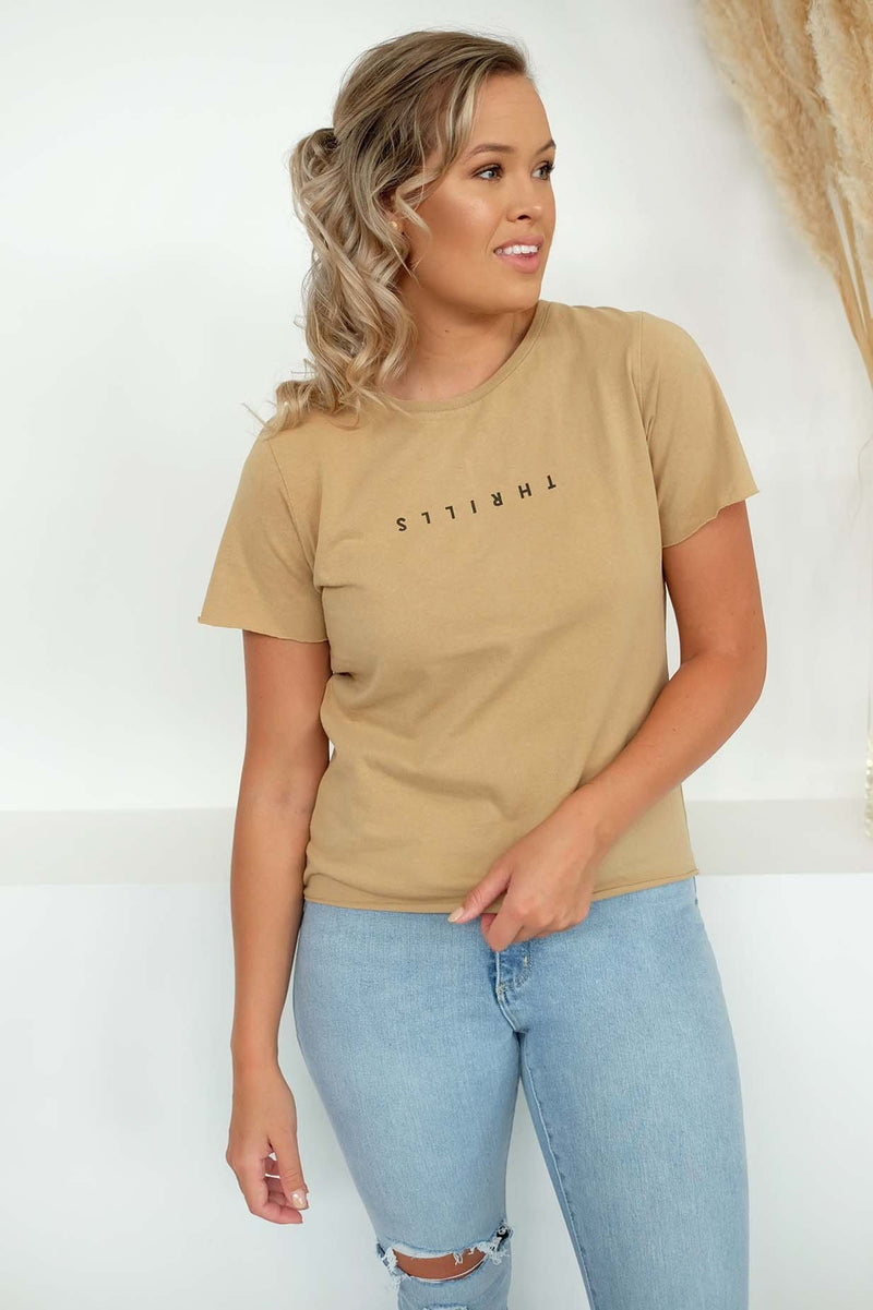Minimal Thrills Loose Fit Tee Sesame Thrills - Jean Jail