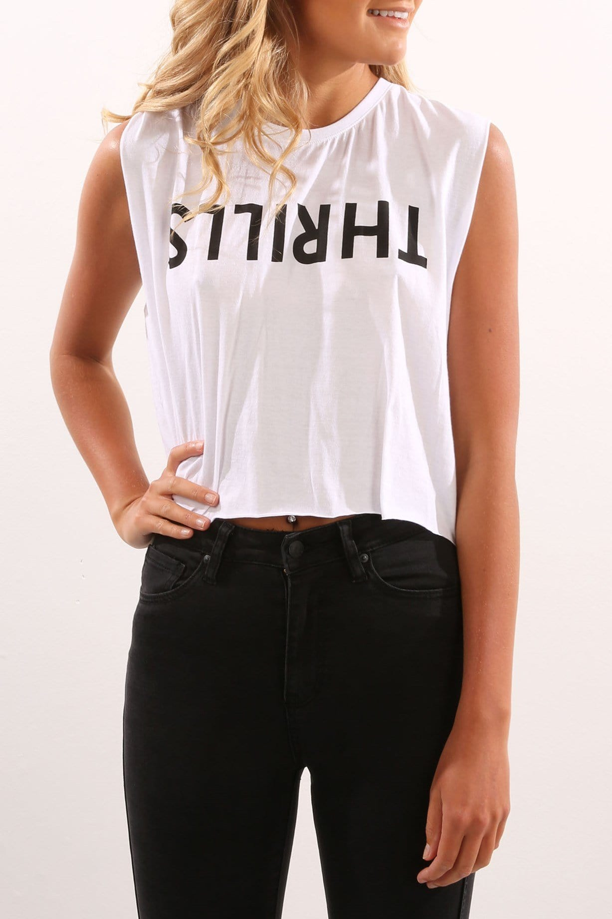 Logo Crop Muscle White