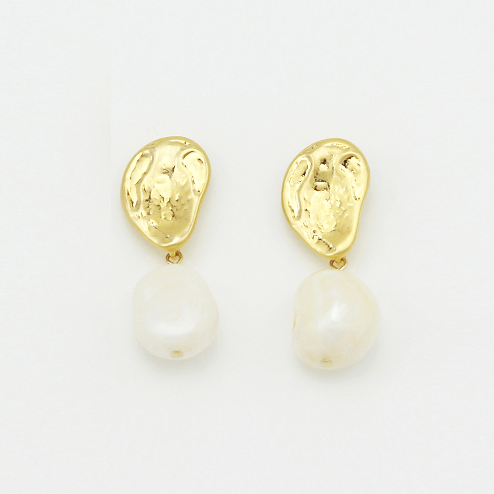 Eleanor Earrings Gold Pearl