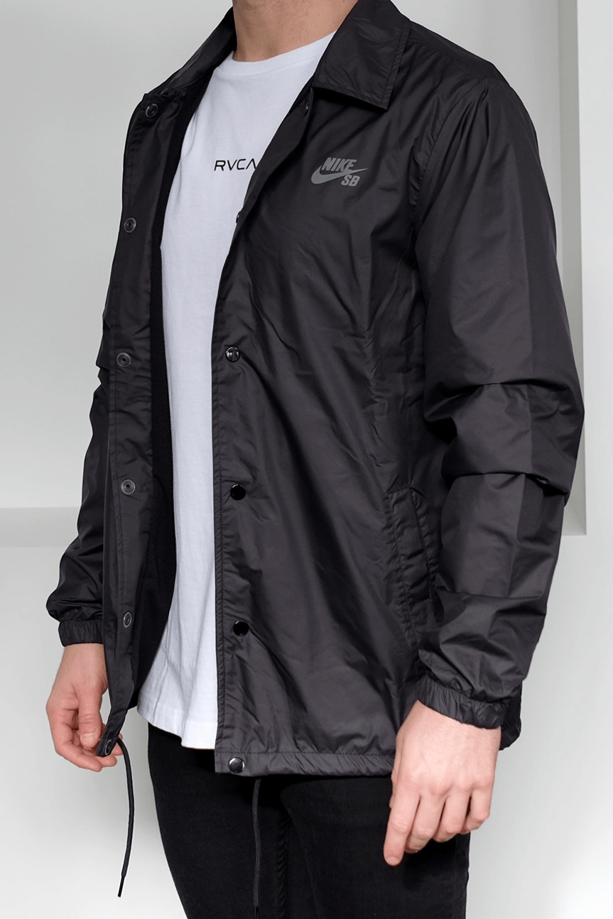 Shield Coach Jacket Black