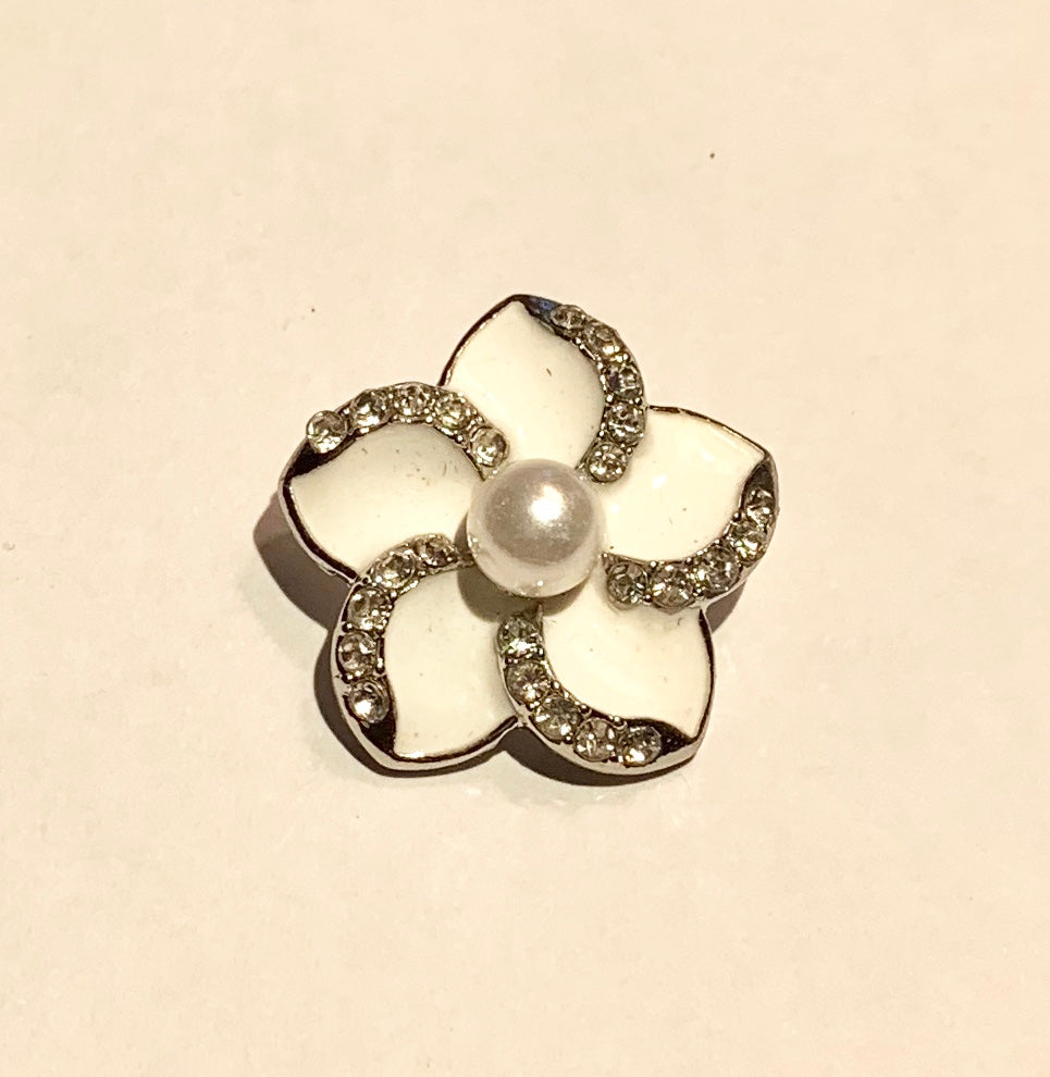White Enamel and Crystal Flower Snap with Pearl Center
