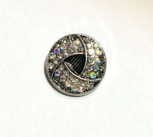 Round Crystal with Black Triangle Snap