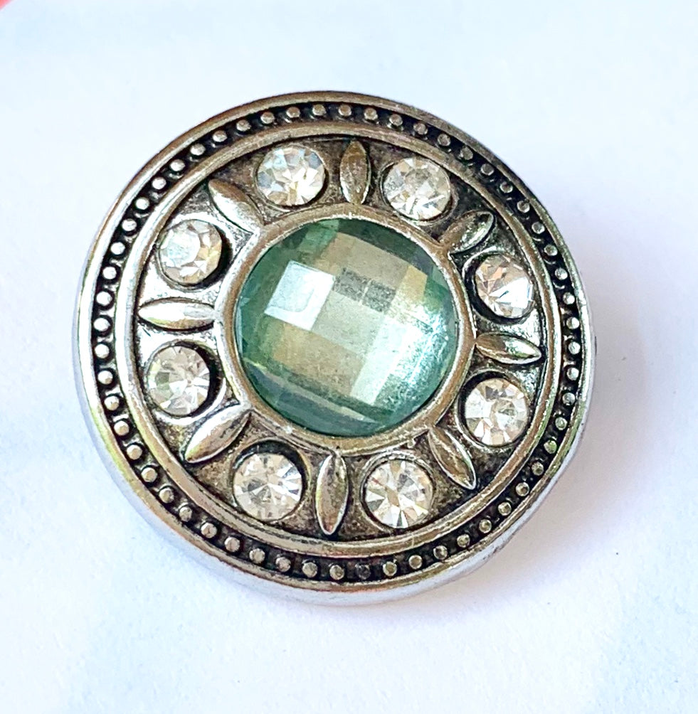 Light Green and Clear Crystal Snap