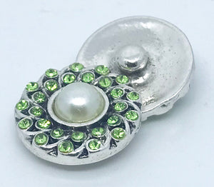 Peridot Crystal and Pearl Snap