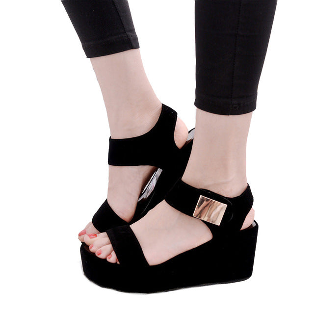 Free shipping 2018 woman summer new style woman's sajdals platform with a high heel and a wedge with a pair of sendals