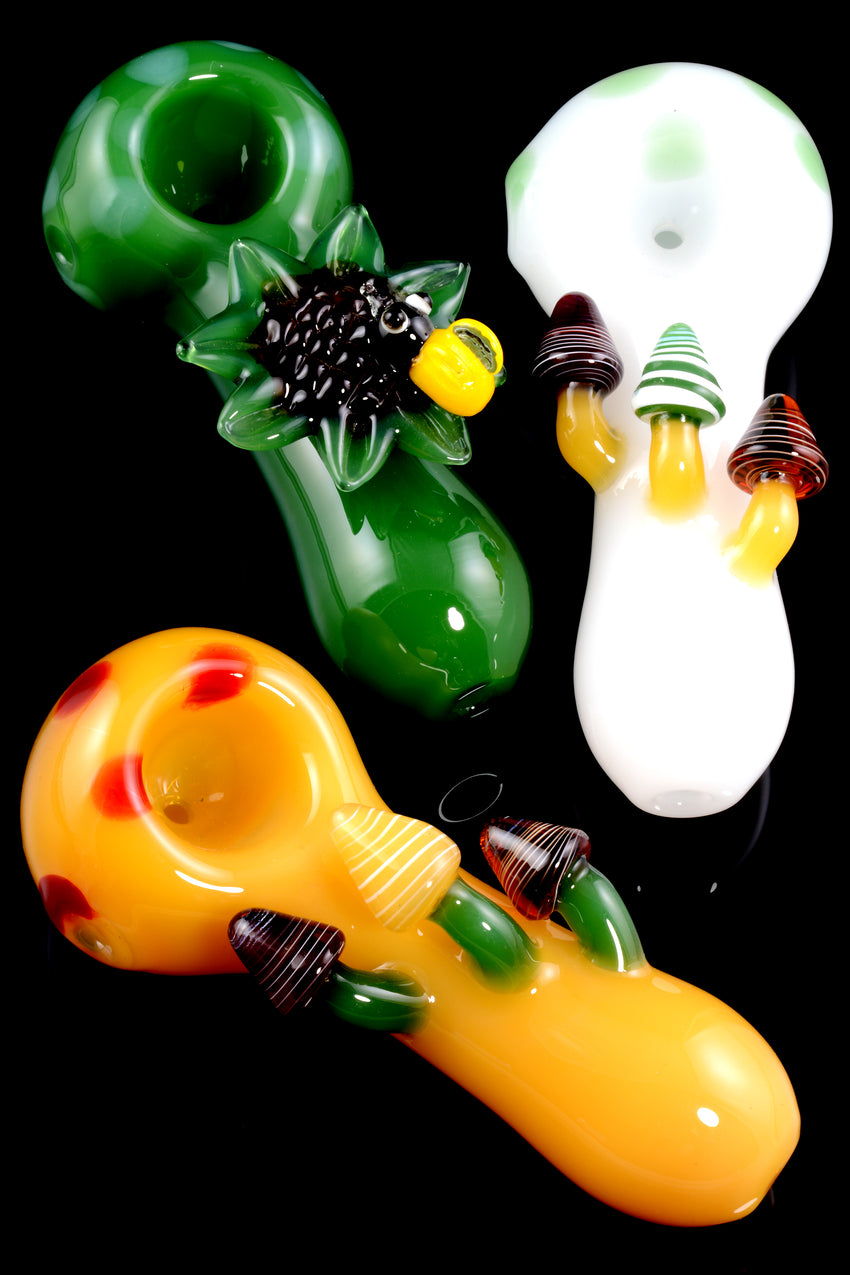 Colored Glass Pipe - P1618