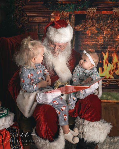 Load image into Gallery viewer, Kate Fireplace Stockings Backdrop for Christmas Photography