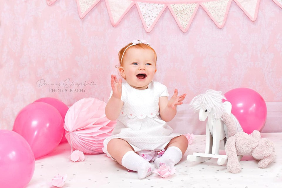 Load image into Gallery viewer, Kate Pink Wall Pattern Backdrop for Children Photography White/Cream Flooring
