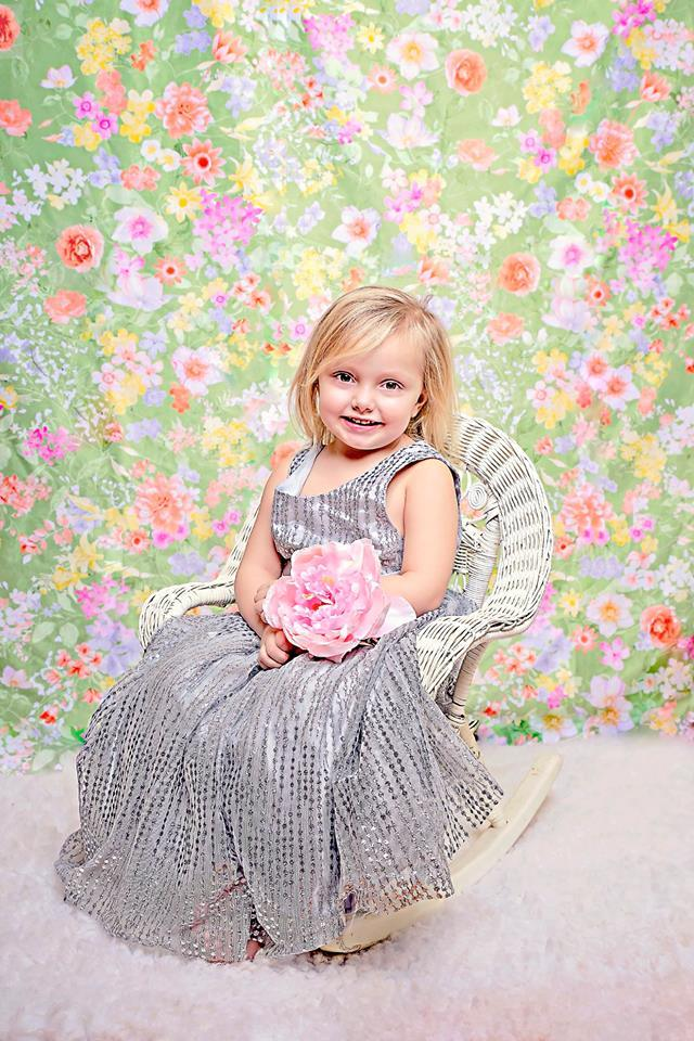 Kate Retro flowers Backdrop for Photography designed by Jerry_Sina