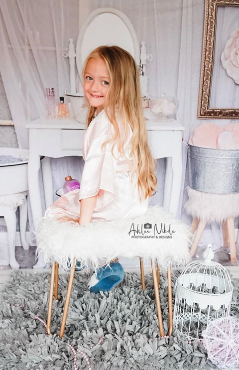 Kate Powder Room Children Backdrop for Photography Designed by Erin Larkins