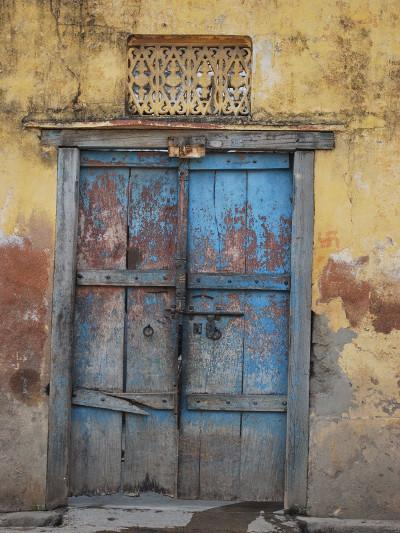Load image into Gallery viewer, Kate Blue Destroyed Door Retro Style Background for Photography - Kate backdrops UK