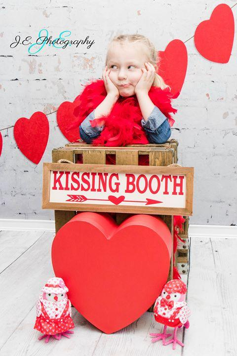 Kate Retro Brick Valentines Backdrop Designed by Jerry_Sina