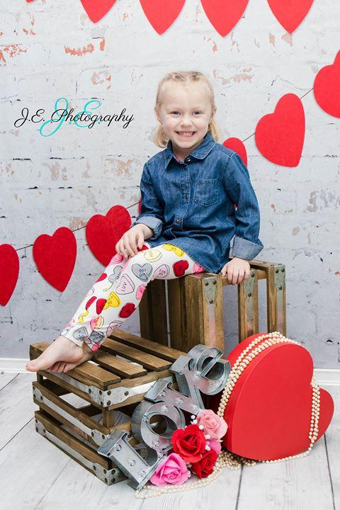 Load image into Gallery viewer, Kate Retro Brick Valentines Backdrop Designed by Jerry_Sina