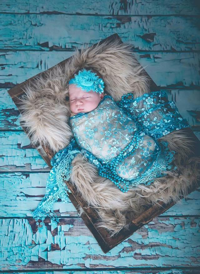 Load image into Gallery viewer, Kate Retro Style Blue Broken Wood Wall Backdrop Newborn Backdrop
