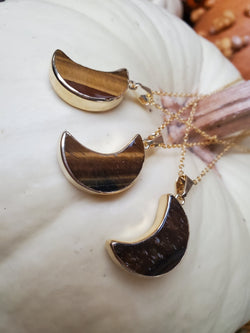 Tigers Eye Moon Necklace - Gold