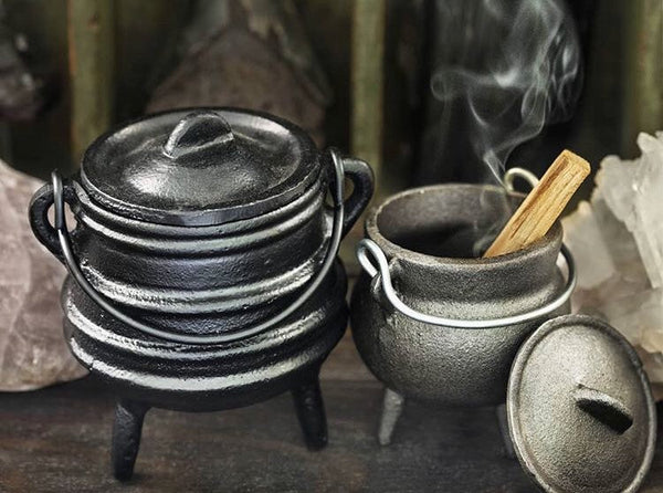 Cast Iron Classic Mini Cauldron