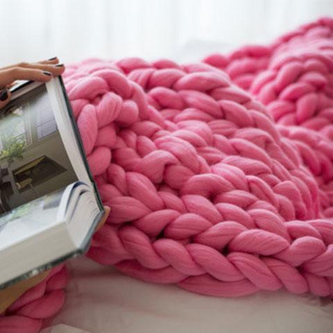 Super Pink Chunky Knit Blanket AH477 - DelaFur Wholesale