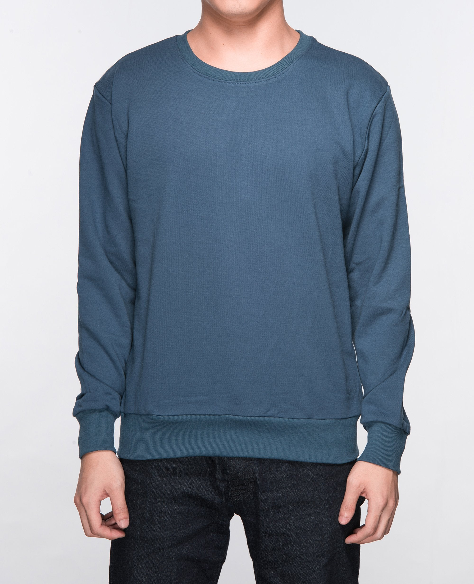 Unisex Basic Sweatshirt in Navy - Sweater - BRANMA - BRANMA