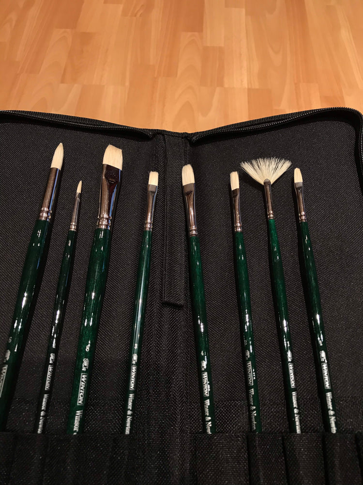 Winsor & Newton Oil Paint Brushes in Wallet Set