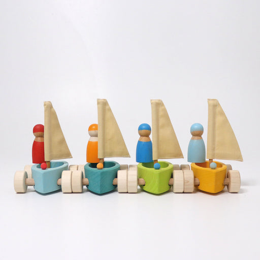09316 Grimms Set of 4 Small Land Yachts with 4 Sailors
