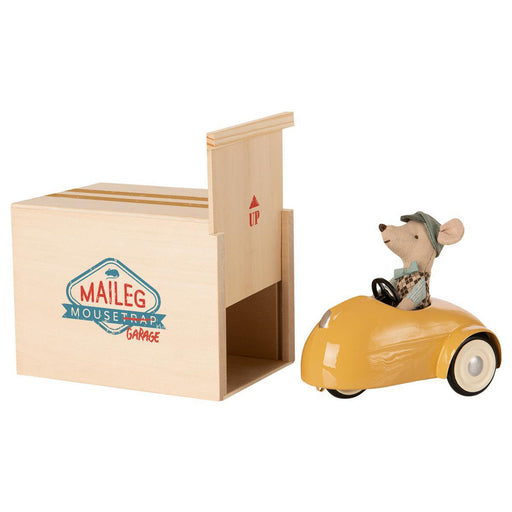 Maileg Mouse Car and Garage Yellow 01