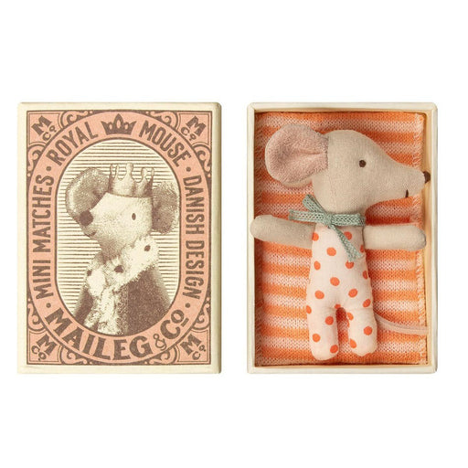 Maileg Mouse Baby Sleepy-wakey girl 01