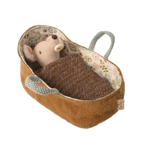 Maileg Mouse Baby in Carrycot 01
