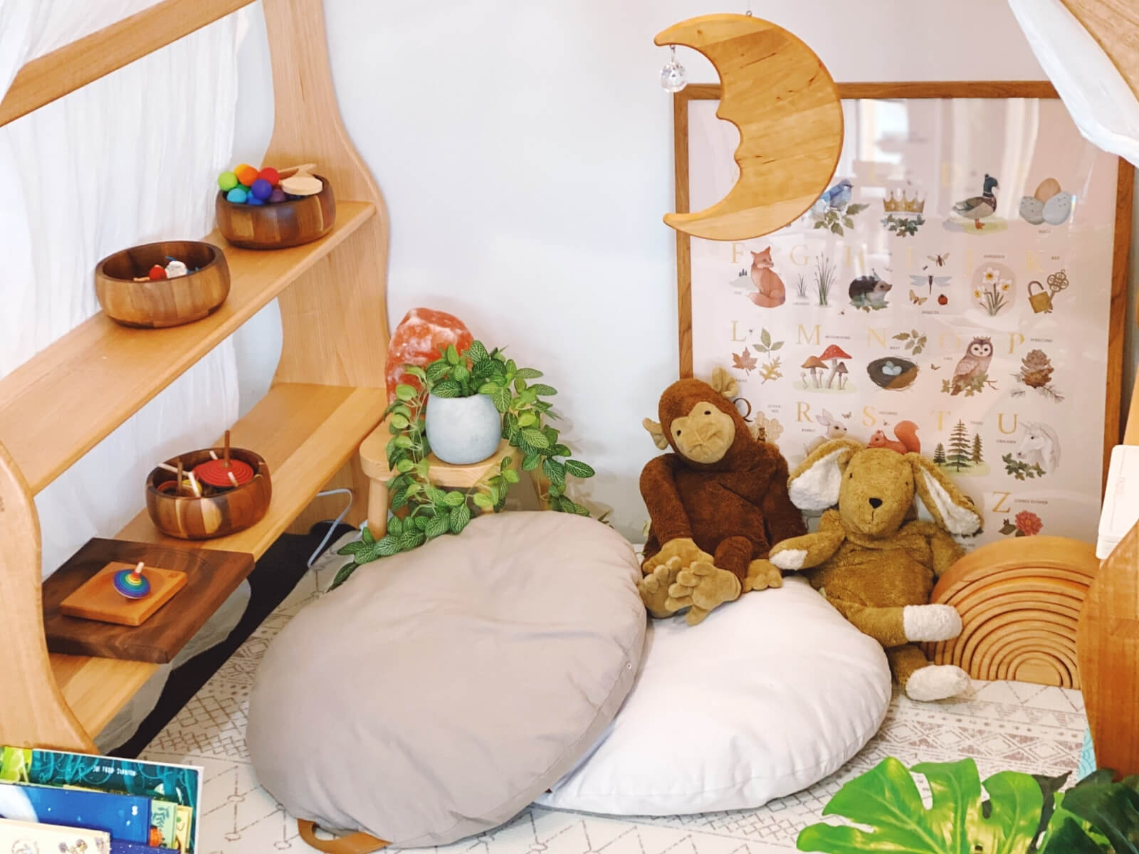 Provide materials and toys that promote mindfulness.
