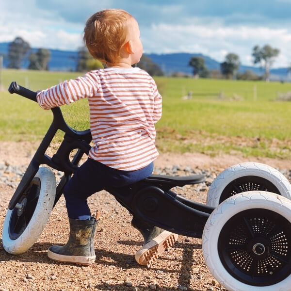 How much physical activity do you recommend young children should be getting each week?