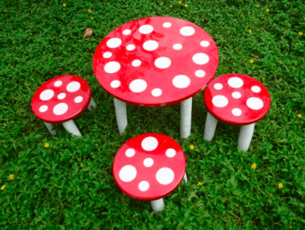 QToys Outdoor Mushroom table and 3 stools Outdoor Furniture- Bounce and Swing