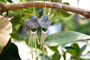 Open image in slideshow, Sol Earrings