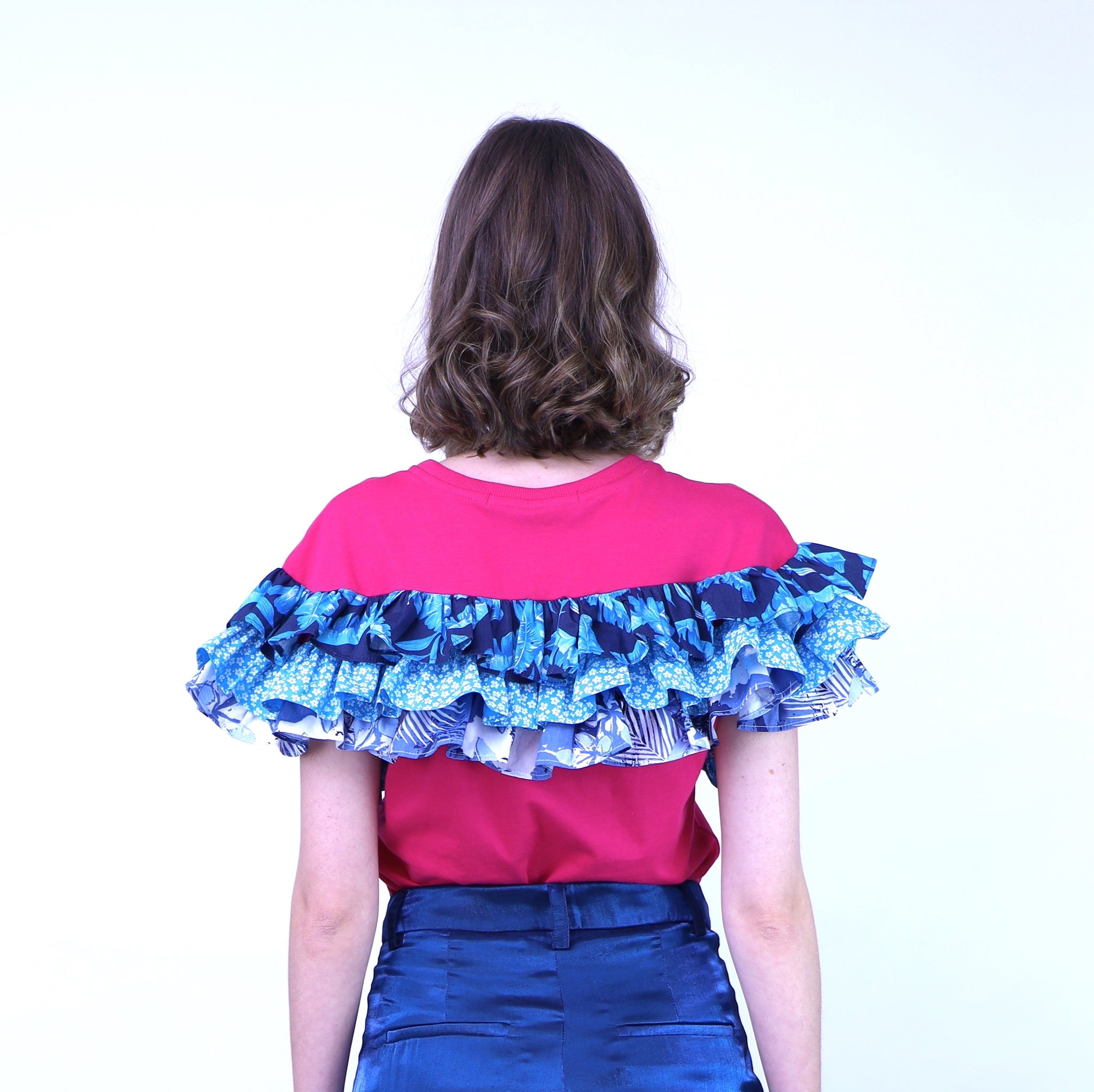 T-shirt with Hawaiian Vintage Ruffles - B 65