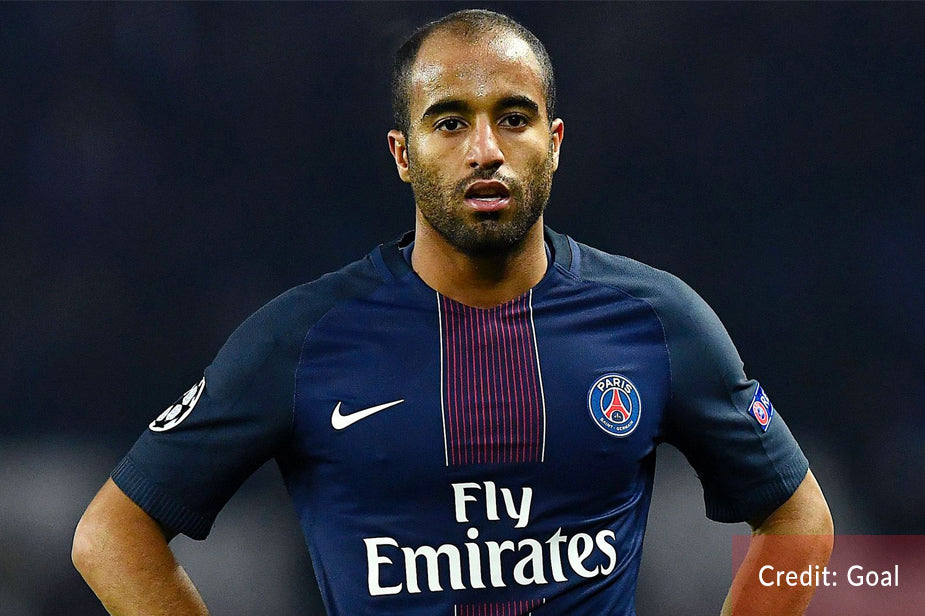 Lucas Moura given tour of Spurs training ground