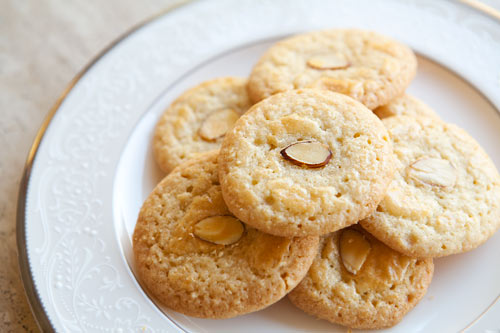 Almond cookie recipes and traditions from around the world for the holidays