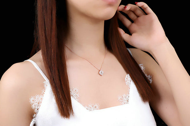 Shiny Snowflake Necklace