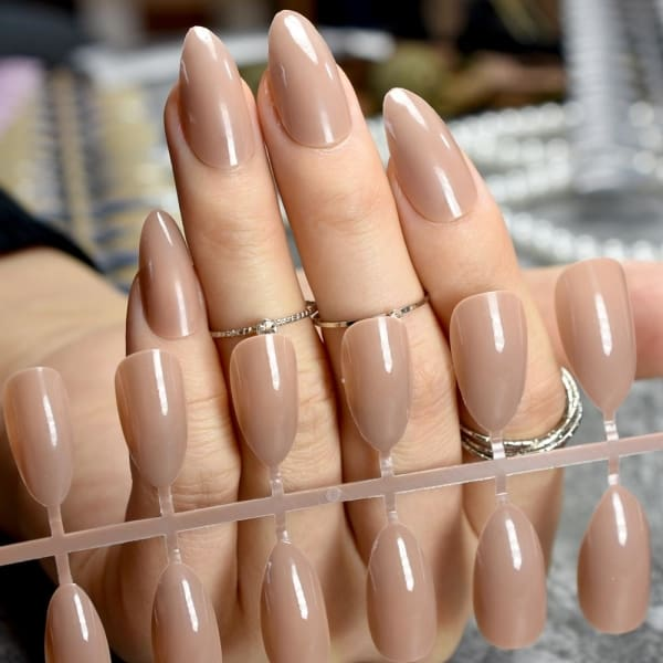 Stiletto Press On Nails - Makeup