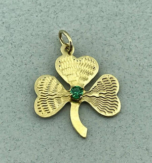 Vintage 14k Yellow Gold Clover with Emerald Pendant