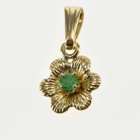 14k Mini Emerald Insert Flower Pendant