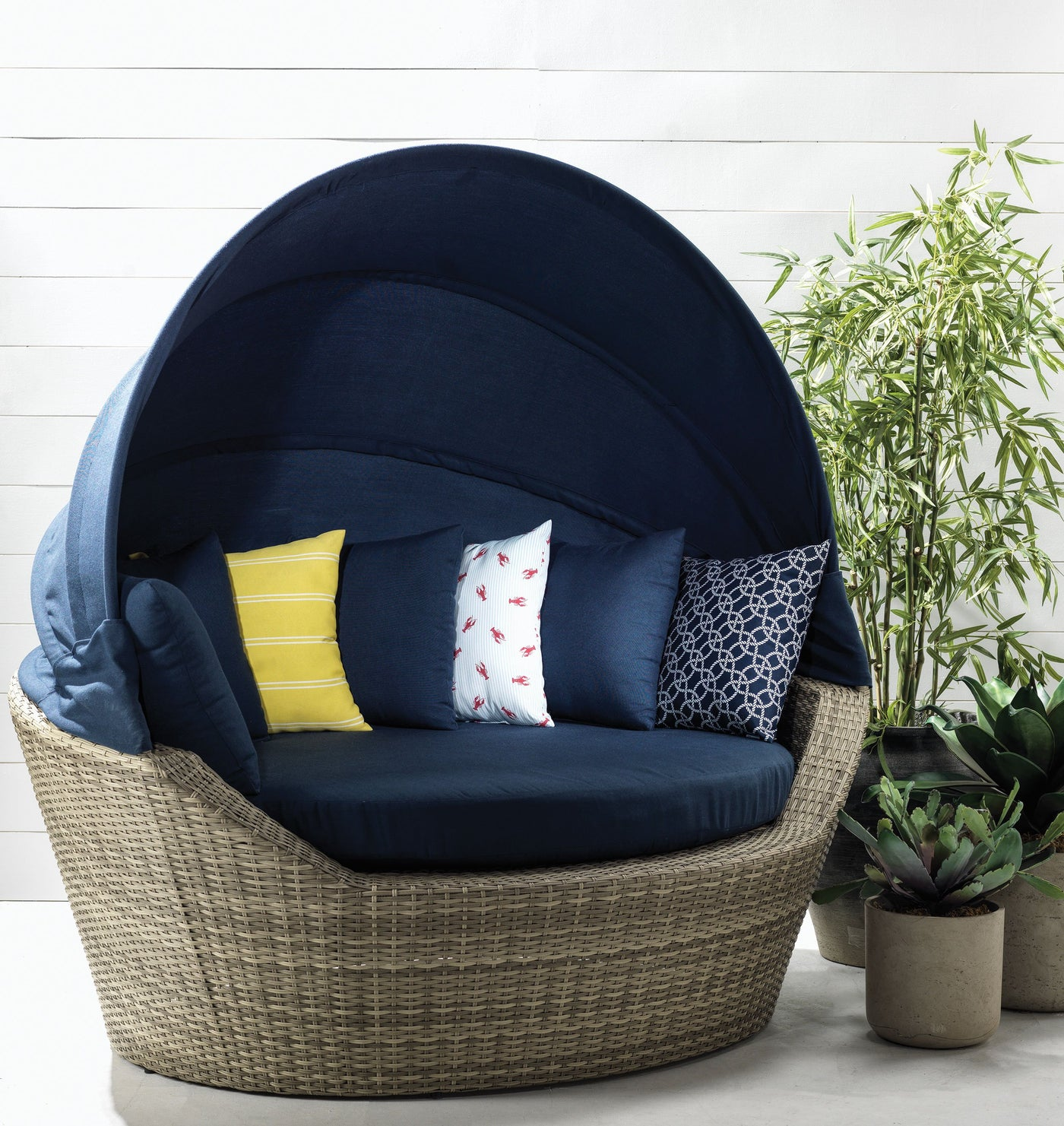 Jonathan patio daybed navy touch to zoom