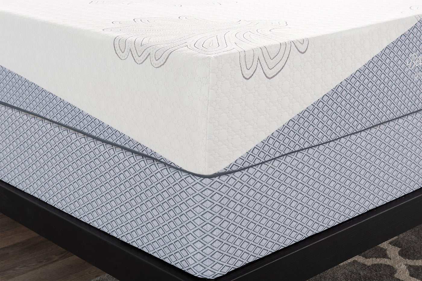 Beautyrest Hotel 3 Queen Mattress In A Box With Split