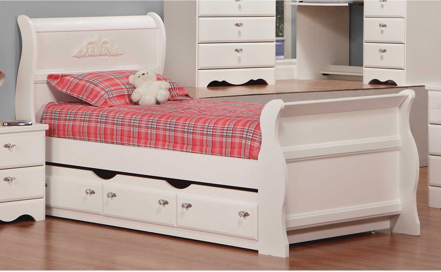 Diamond Dreams Twin Sleigh Bed Wtrundle The Brick