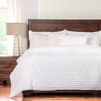 Tattered 3-Piece Twin Duvet Cover Set – White|Ensemble de housse de couette 3 pièces Tattered pour lit simple - blanc