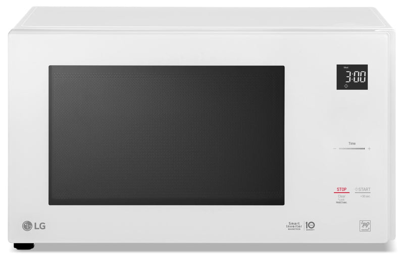 LG 1.5 Cu. Ft. NeoChef Countertop Microwave with Smart Inverter and EasyClean – LMC1575SW|Four à micro-ondes de comptoir LG NeoChefMC de 1,5 pi3 – LMC1575SW