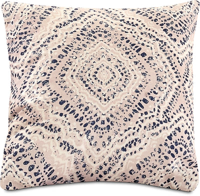 Distressed Medallion Accent Pillow – Off-White, Blue and White|Coussin décoratif médaillon vieilli - blanc cassé, bleu et blanc|792840DP