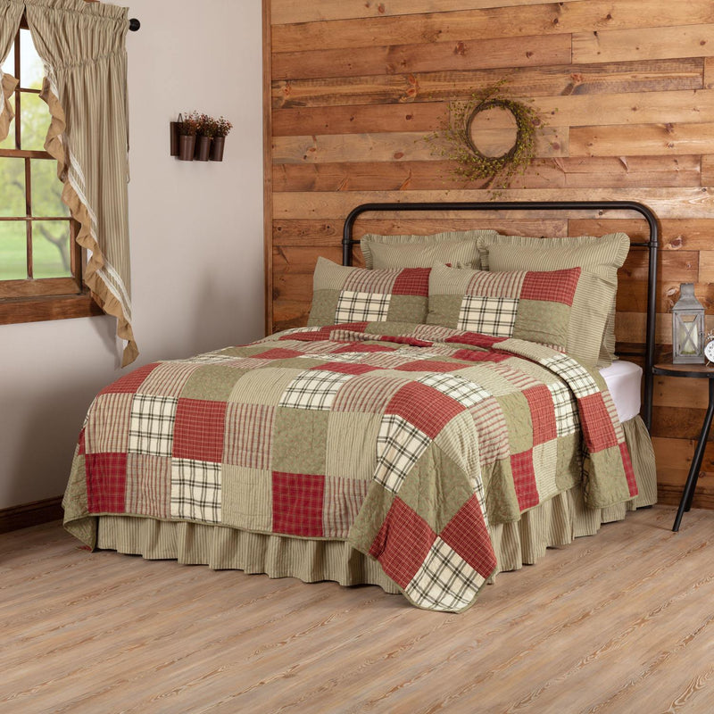 Mayfred Queen Quilt - Khaki/Barn Red