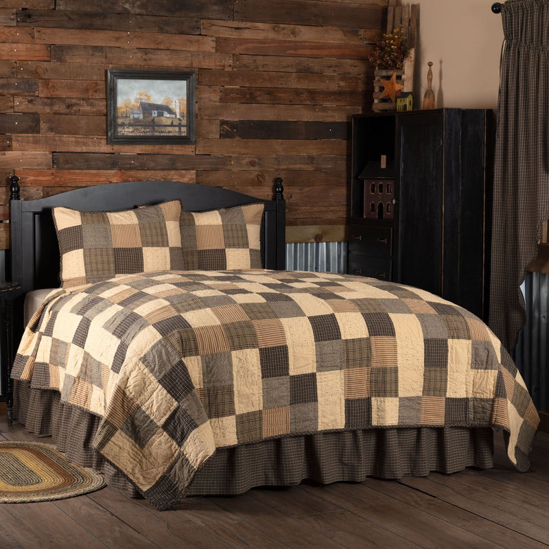 Kettle Grove Queen Quilt Set - Black/Khaki
